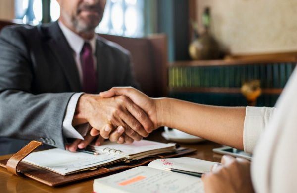 How to become a Corporate Lawyer