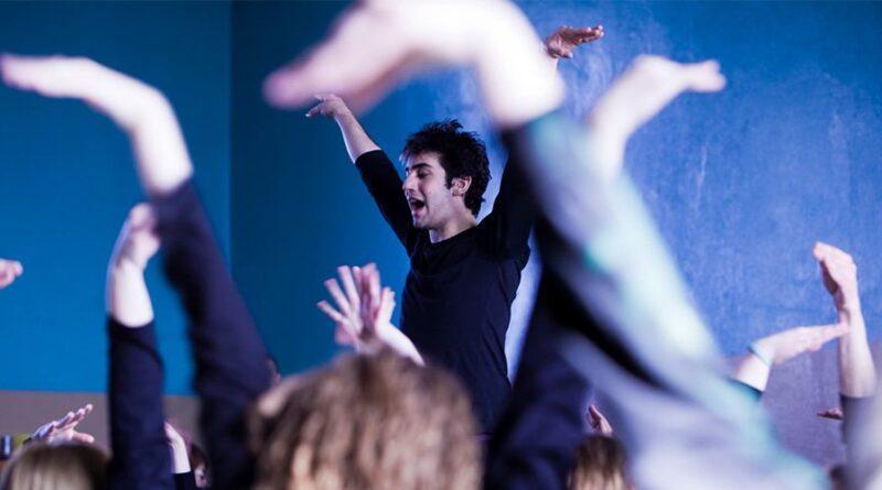 How to become a drama teacher