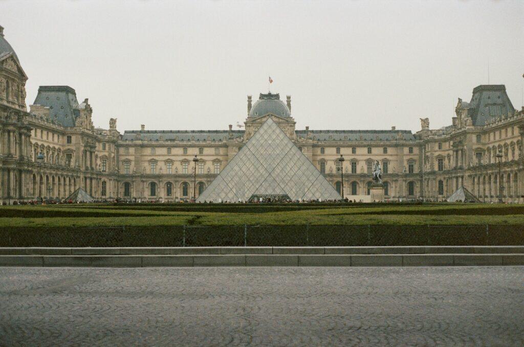 Louvre Muséum,Visit in Paris
